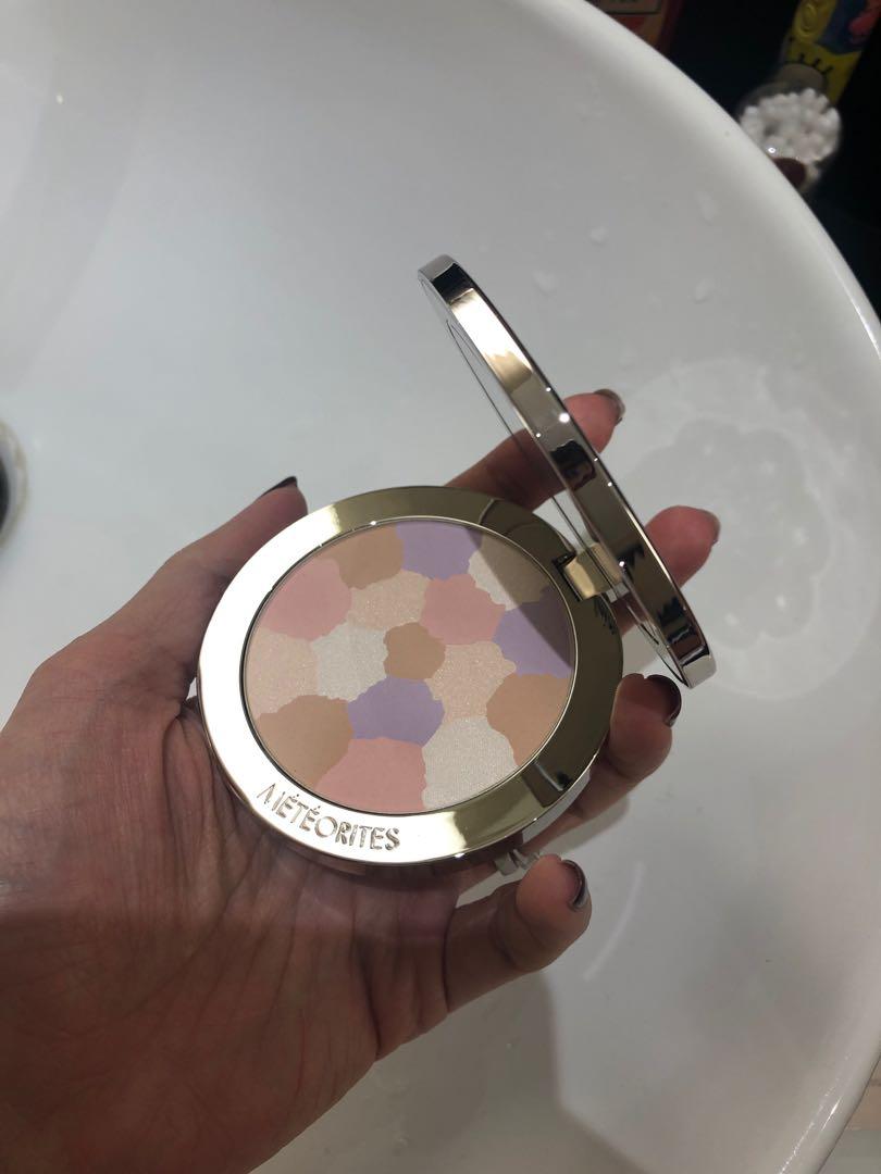 GUERLAIN METEORITES COMPACT Light revealing powder