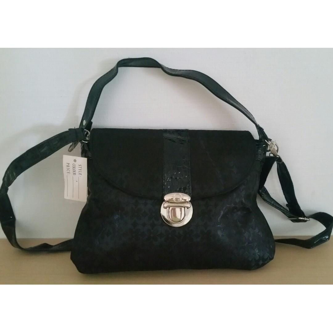 1bd24846f60f New  Designer-inspired Saddle Crossbody Bag