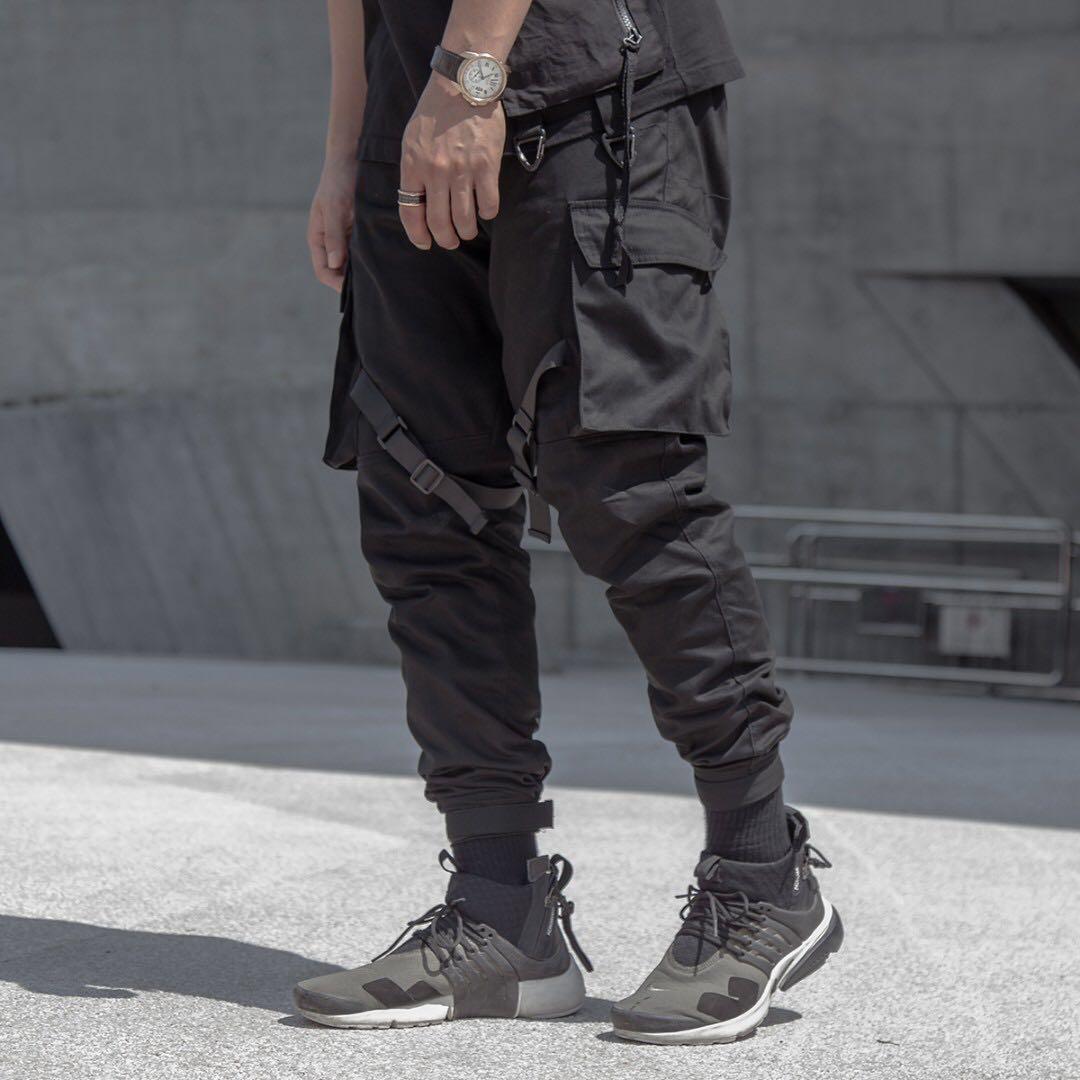 cb2e81cf46 Techwear Functional Cargo pants, Men's Fashion, Clothes, Bottoms on  Carousell