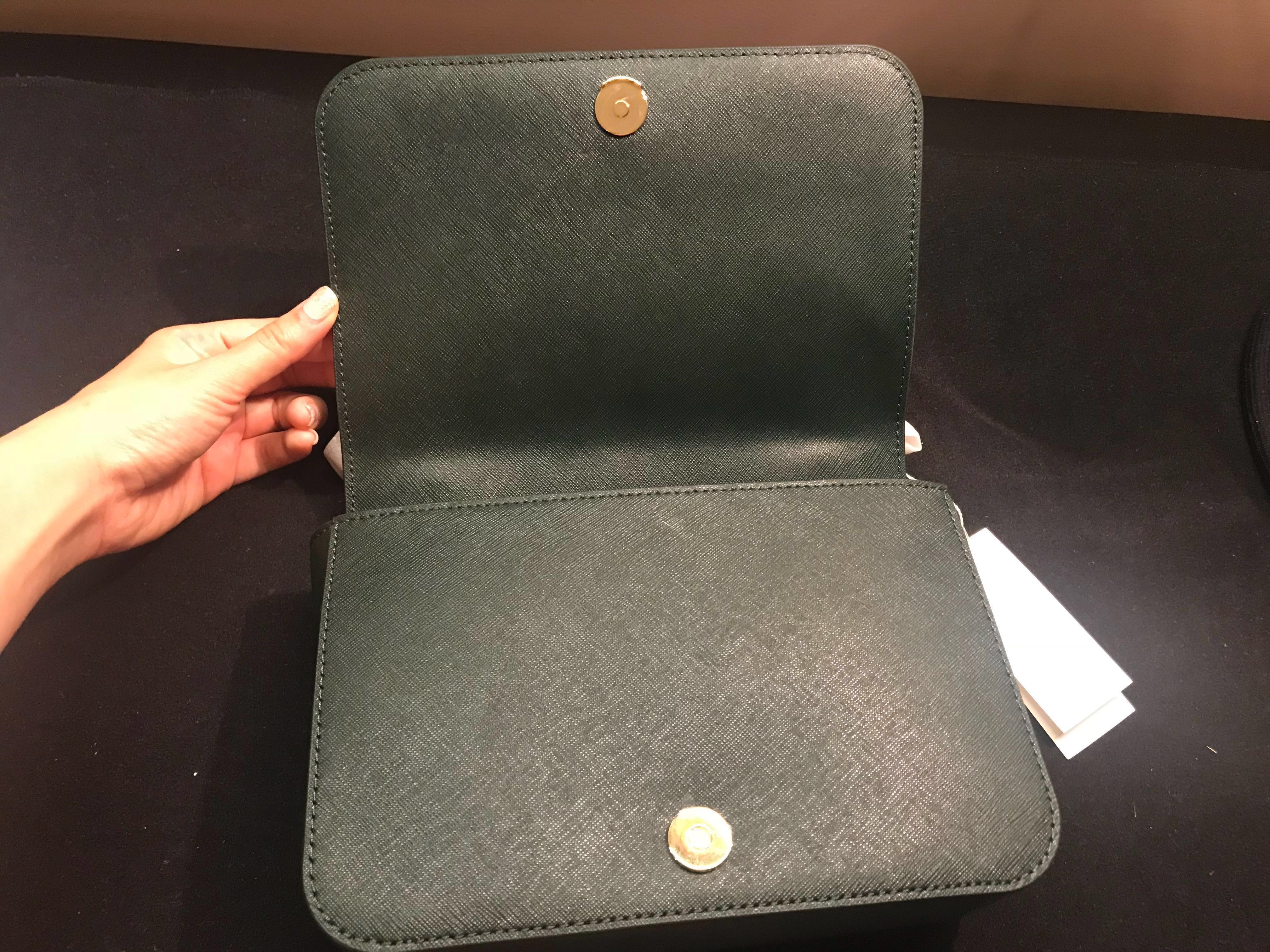 ecce13d33fcc Tory Burch Emerson Adjustable Shoulder Bag in Jitney Green