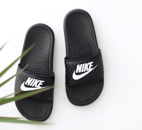 445d45e0a83b UK7.5 Nike Benassi Slides carbon design