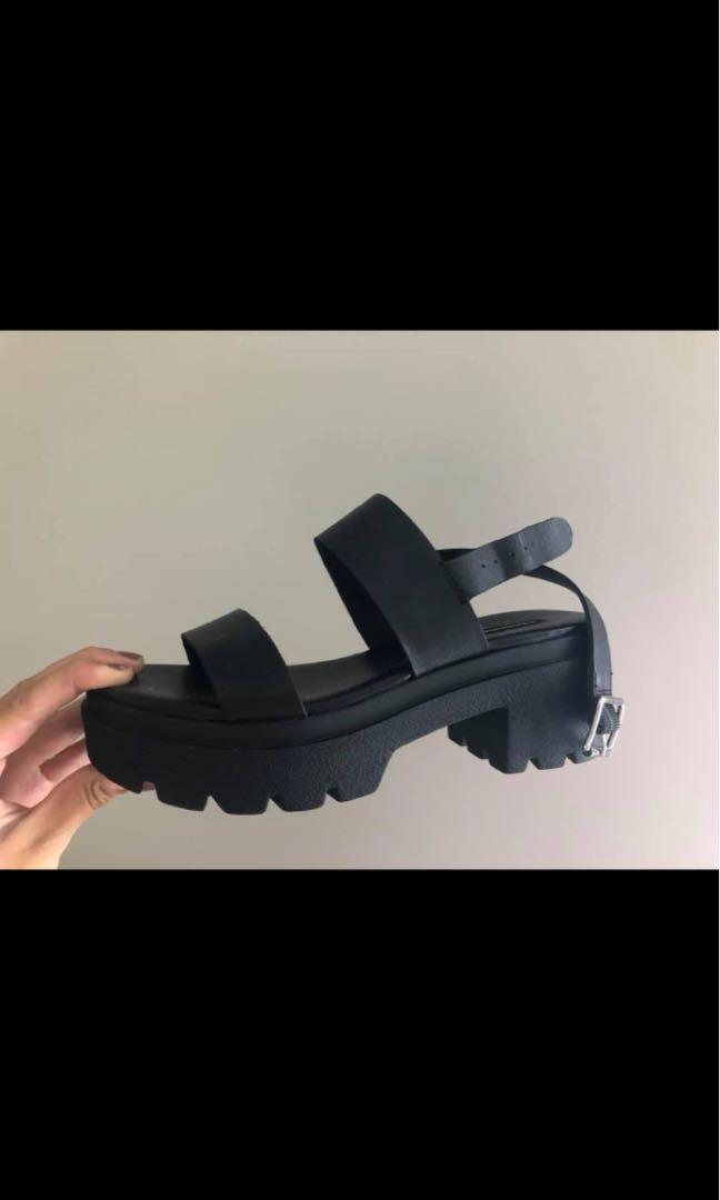 Windsor Smith Black Emmy Leather shoes