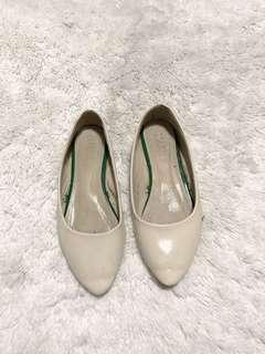 NAVA flat white shoes