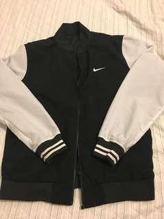 Nike雙面穿外套
