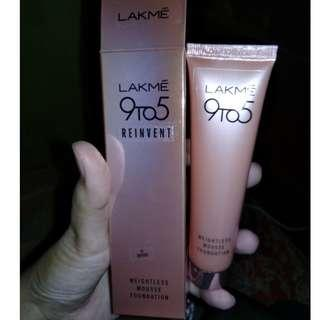 [Preloved] Lakme 9to5 Reinvent Weightless Mousse Foundation - Rose Ivory