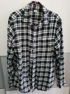 🚚 二手 男裝襯衫 uniqlo XL號 黑色格紋