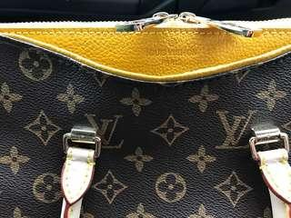 Louis Vuitton Authentic Monogram Purse