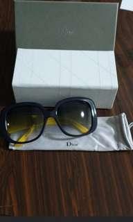 🚚 Christian Dior Sunglass