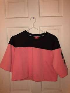 Nike cropped Tee sweater