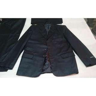 suit -complete set -from USA