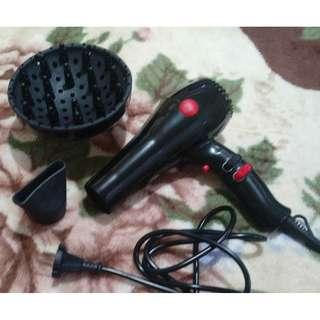 professional hair blower - hair dryer - hot and cold