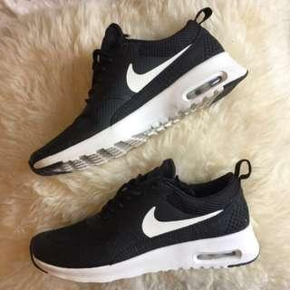 Nike Air Max Thea Size 6-6.5 PRICE LOWERED