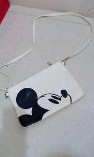 Sling bag mickey