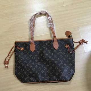 Louis Vuitton Neverfull Tote Bag - Class A
