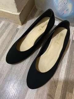 🚚 黑色娃娃鞋