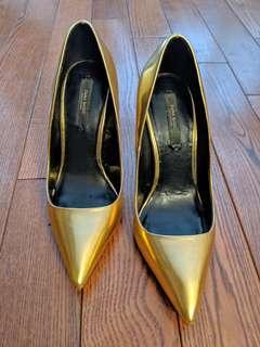 Zara women's Gold Heels!