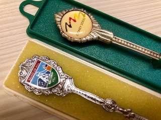 銀匙羹紀念品,每隻$150,如一對買特價$280