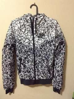 Women's Nike geo print windbreaker
