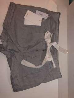 Brand new Artzia shorts size 00