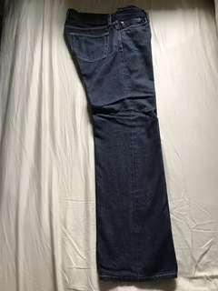 UNIQLO 男裝深藍色牛仔褲Men's dark blue jeans