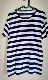 Black stripes tshirt