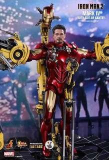 LF Hot Toys Iron Man Mark IV w Gantry Diecast