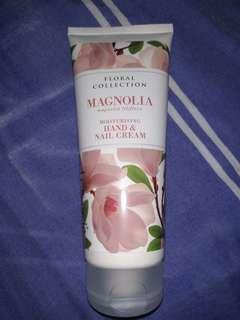 Marks & Spencer Hand and Nail Cream 'Magnolia Liliflora' (Isi: 90%)