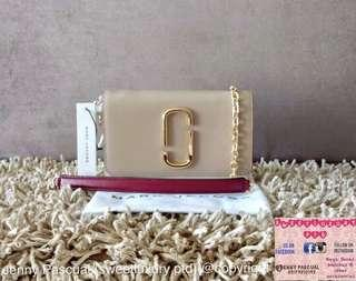 BRANDNEW MARC JACOBS SNAPSHOT WALLET ON CHAIN WOC