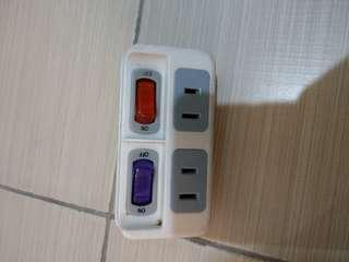 🚚 一接二 開關插座 擴充插座