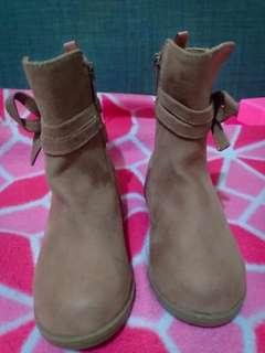 Old navy boots s7 euc