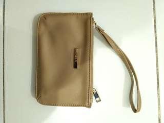 CLN pouch