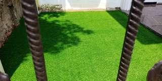 Rumput Sintetis Tuk Taman Samping Rumah Hijau Pesona