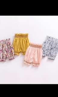 🚚 Baby girls short pants with gathers