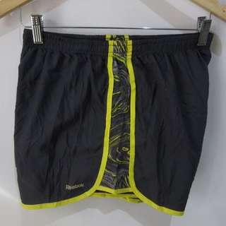 (M-L) Reebok ladies sport shorts, with waist secure lace and key pocket, with built-in underwear, in almost looks new conditions but may tiny gray spot as seen in photo, not perfect tag print, overall still in great conditions