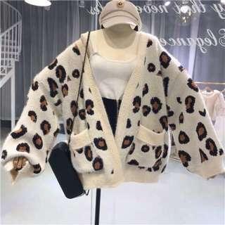 🚚 轉全新 豹紋毛海毛衣外套