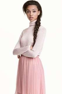🚚 H&m淡粉色針織高領長袖上衣