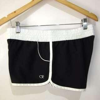 (L) OP ladies board shorts, nice wide waist garter, with pockets on both sides, in almost looks new conditions