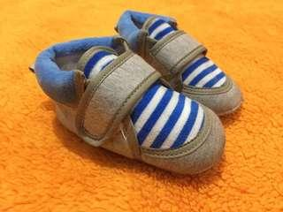 Sepatu prewalker vgc import