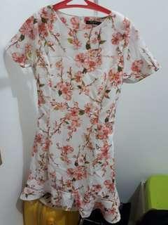 (200 DAPET 3) Icons - White Flower Mini Dress