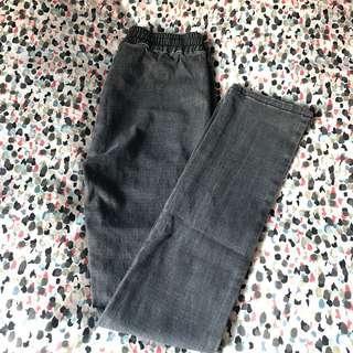 灰黑暗格顯瘦貼身長褲