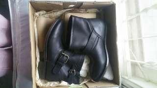 Ash boots black full leather new s38
