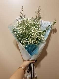 🚚 Baby's Breath Luxury Bouquet