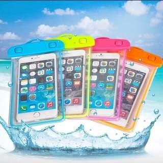 Water proof cellphone pouch glow in the dark