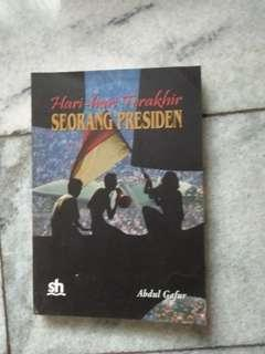 Buku judul hari2 terakhir seorang presiden