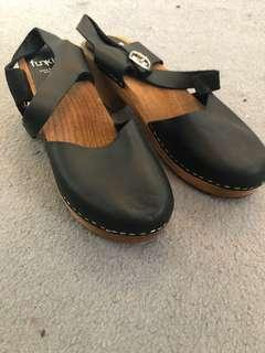 Funkis black leather clogs size 9