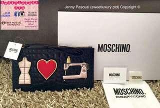 BRANDNEW MOSCHINO PATCH CLUTCH