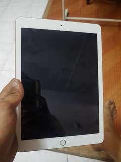 iPad 9.7 128GB 5th gen