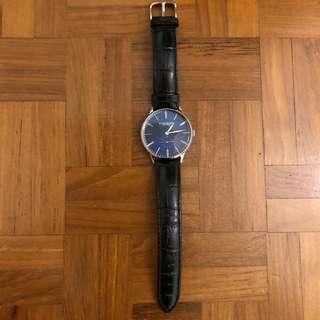 🚚 Stuhrling watch