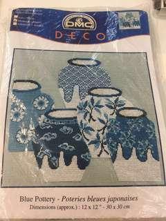 十字繡 cross stitch , Blue Pottery