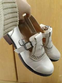 🚚 米白色 氣質皮鞋